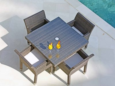 Metz dining set