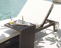 MIAMI BREEZE BED + SIDE TABLE