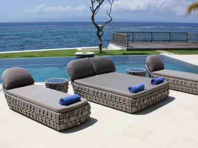 Strips loungers