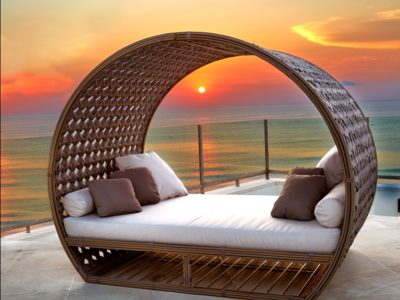 Moon light daybed